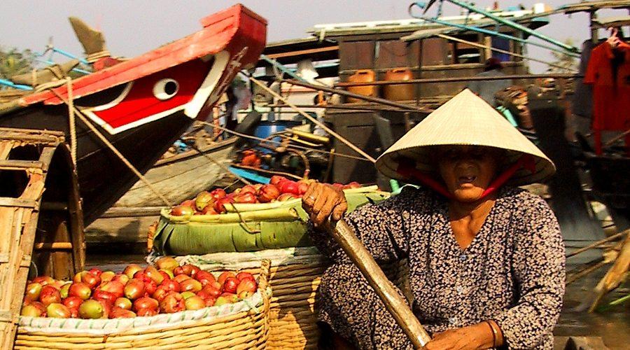 Bericht_Vietnam_Breinersdorf_can tho floating market900x500