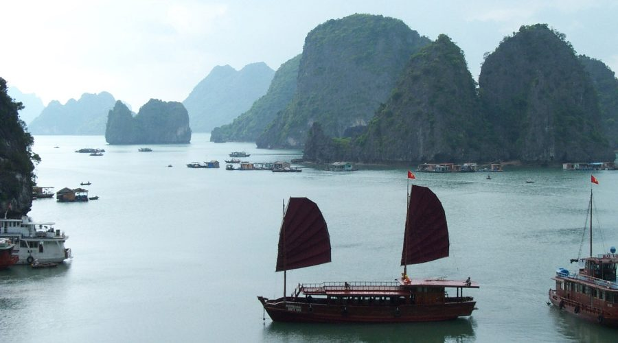 Bericht_Vietnam_Breinersdorf_Halong Bay_Harald Sander2_900x500
