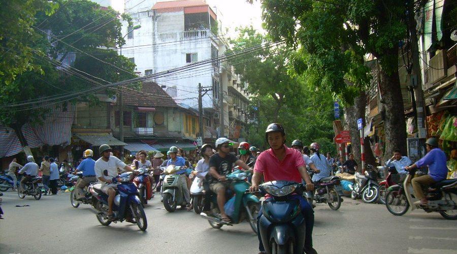 Bericht_Vietnam_Breinersdorf_Motorra¨der Hanoi 1 Tag900x500