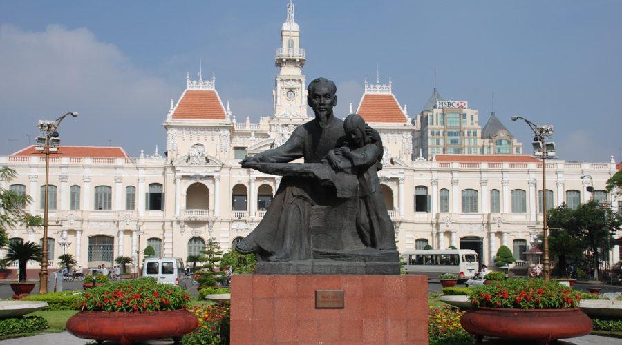 Bericht_Vietnam_Breinersdorf_Saigon_Rathaus900x500