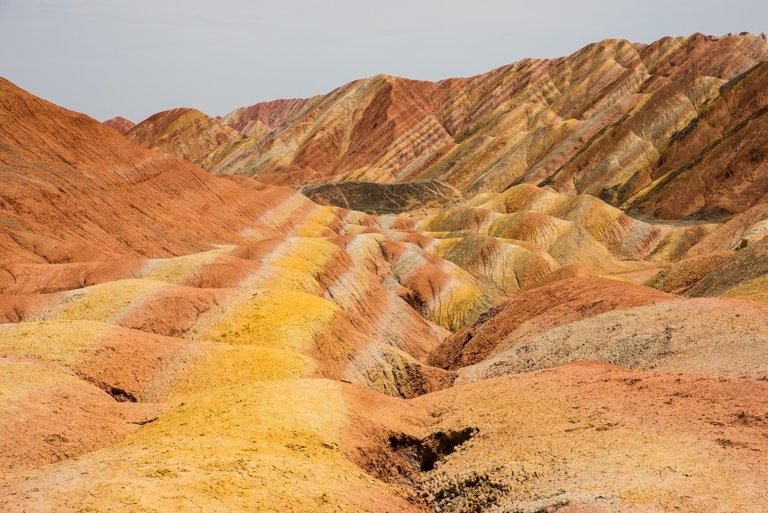 Beeindruckende Farbenpracht des Geoparks im Sonnenlicht (Alban Motsch)