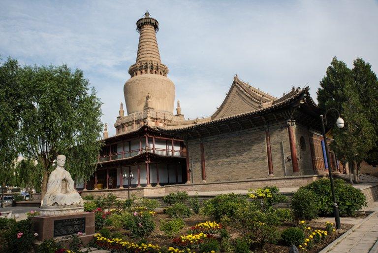"""Tempel des """"Schlafenden Buddha"""" von Außen (Alban Motsch)"""