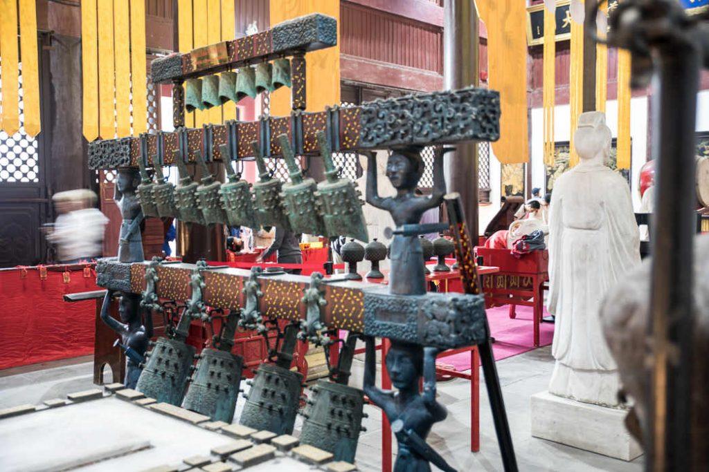 Glockenspiel in der Tempelanlange ( Alban Motsch)