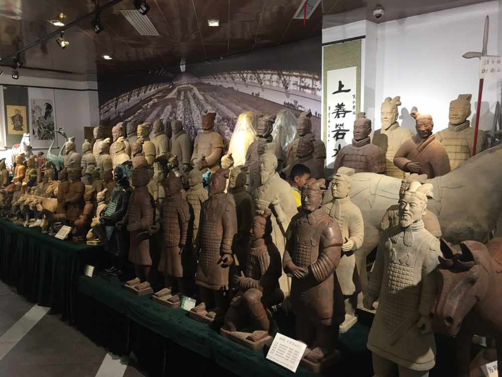 Im Museumsshop der Terrakotta-Armee (Thomas Peters )