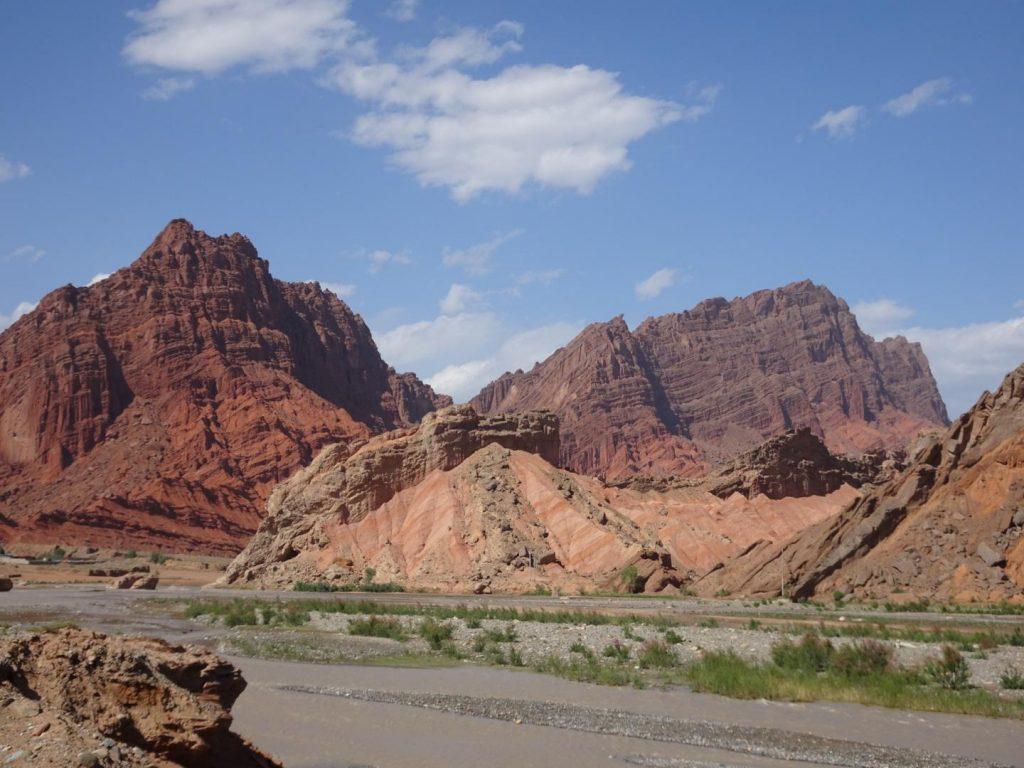 Farbenpracht auf dem Weg zum Tien Shan Grand Canyon (Annette Böddinghaus)