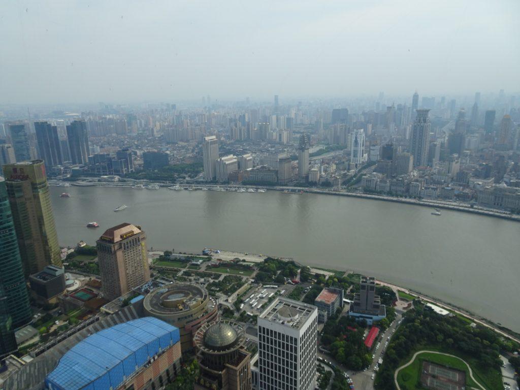 Aussich vond er Aussichtsplattform des Oriental Pearl Towers (Annette Borrdingshaus)