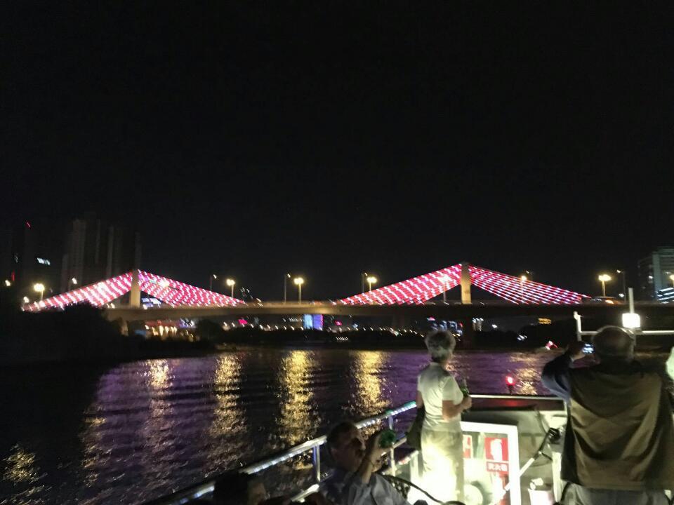beleuchtete brücken über dem Huang Ze ( Anne-Dore Pietzcker)