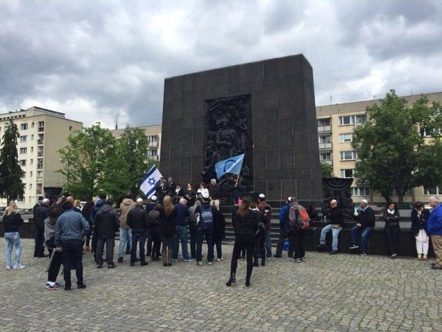 beileger_Seidenstraße_tag5_warschau_jüdisches Denkmal