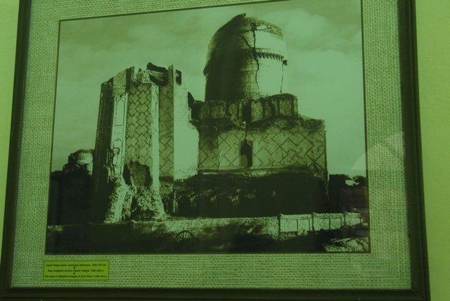 Zerstörtes Gebäude in Samarkand ( Waldemar Schulz-Pruss)