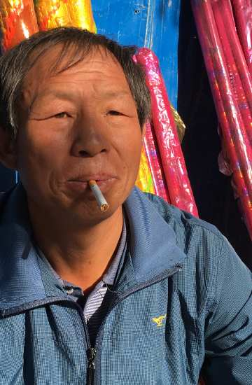 40. Tag: Vor dem Tempel in Zhangye( Thomas Peters)