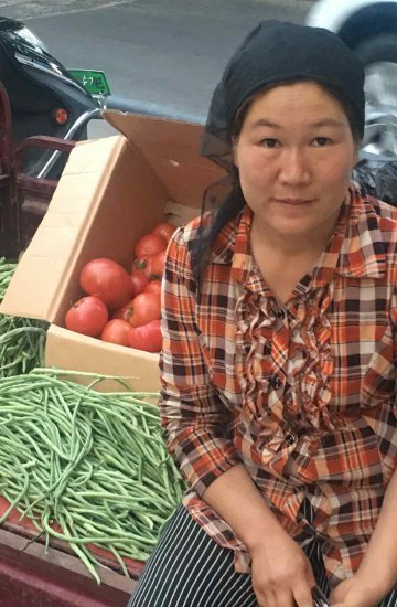 32. Tag: Mobiler Gemüsestand in Korla (Thomas Peters)