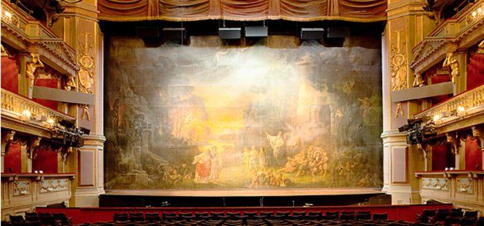 Opernvorhang