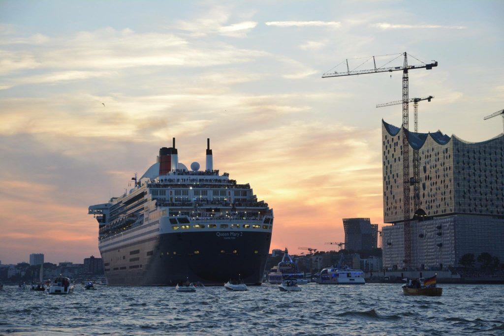 Queen Mary 2 Hamburger Hafen