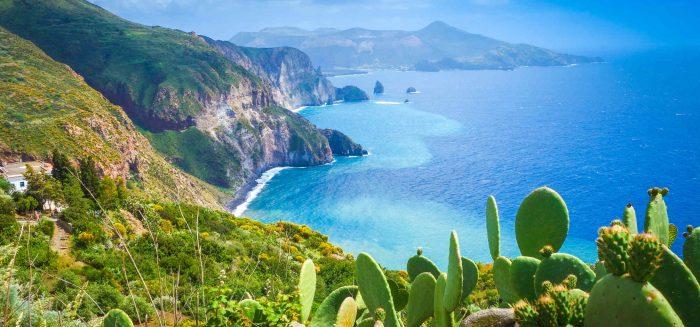 1_333_Liparische Inseln (C) Silky;Shutterstock_aufmacher