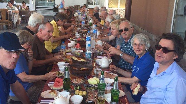 Lunch in Osh (Bernd Loppow)