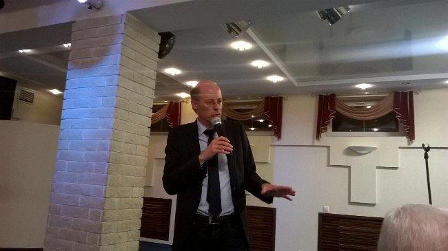 Michael Thumann beim Vortrag über aktuelle Themen (Michael Thumann)