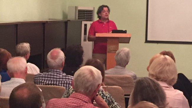 Geistesblitze: Frank Sierens erster Vortrag (Bernd Loppow)