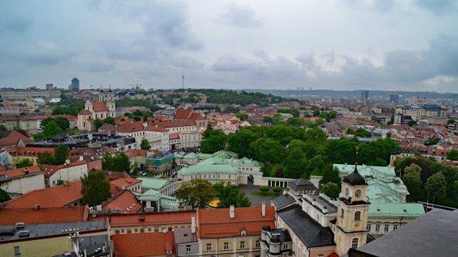Blick vom Turm der Universität auf Präsidentenpalast und Stadtzentrum