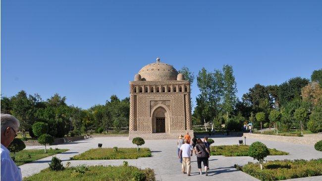 Ismail Samanij Mausoleum (Claudia Kennel)