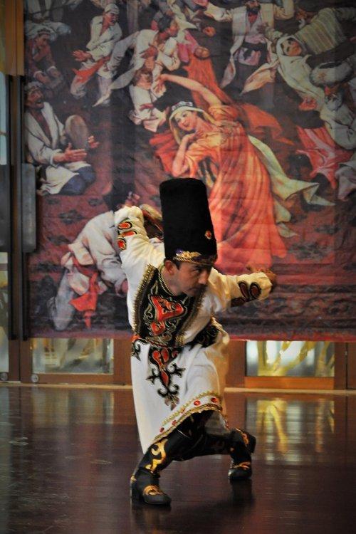 Tanzvorführung der Hotelangestellten (Claudia Kennel)