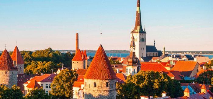 Baltikum_193_01_2480x940_c_dinozzaver_Shutterstock