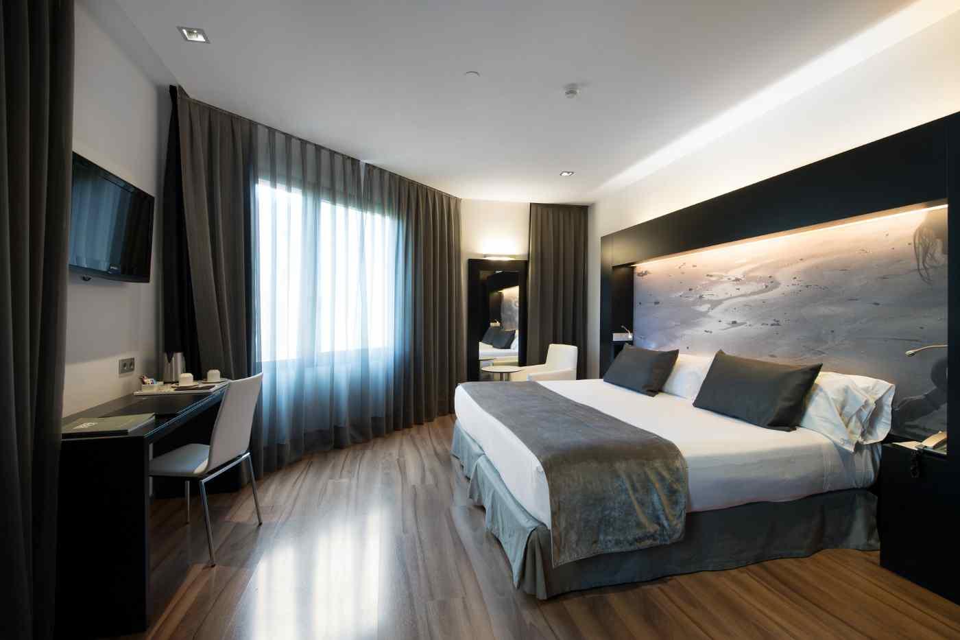 Hotelzimmer_1400xauto