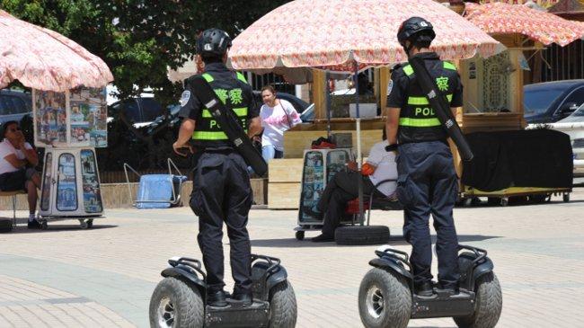 Polizeipräsenz auf Segways in Kashgar
