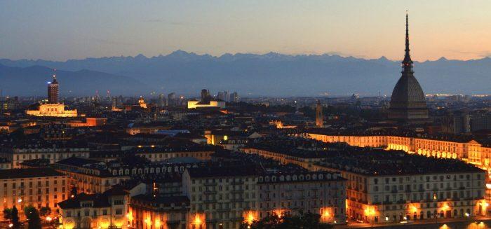 ITA_062_Silvester in Turin_Poppe_Turin Panorama Nacht_Pixabay_Aufmacher