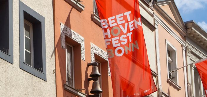 870_Aufmacher_Bonn Beethovenfest Fahnen (c) Michael Sondermann_Bundesstadt Bonn