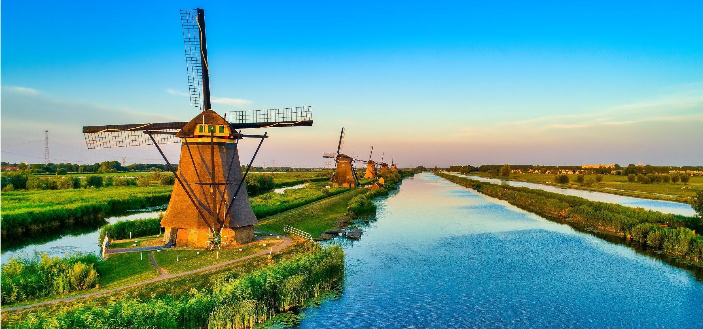 05_250_Windmühlen_Kinderdijk_Niederlande_shutterstock_1153429801_Standartlizenz_nur Online_(c)_Ververidis Vasilis
