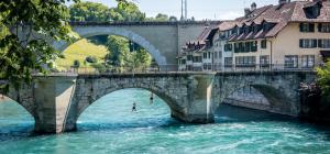Slider 2_287_Bern_Aareschwimmen Untertor Bruecke_print+online_Switzerland Tourism
