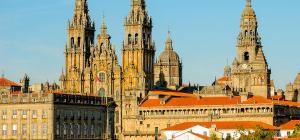 245_(6)_Spanien_Santiago de Compostela_Kathedrale_shutterstock_558531355_Standardlizenz_nur Online_(c)_Ikonya