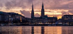 Hamburg Alster Abend (c) Pixabay_Karsten Bergmann